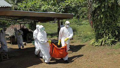 Más de 10.000 casos de ébola en el mundo según la OMS