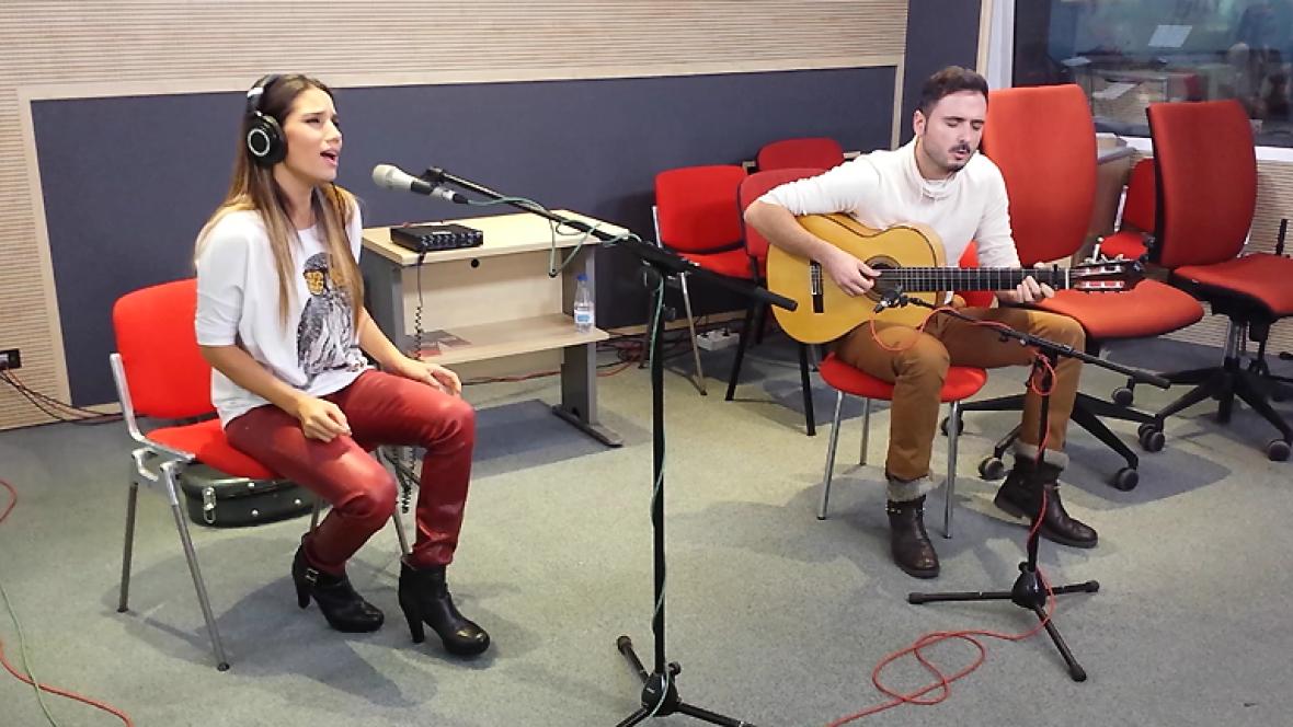 """Las mañanas de RNE - India Martínez interpreta en acústico el tema """"Olvidé respirar"""" - Ver ahora"""