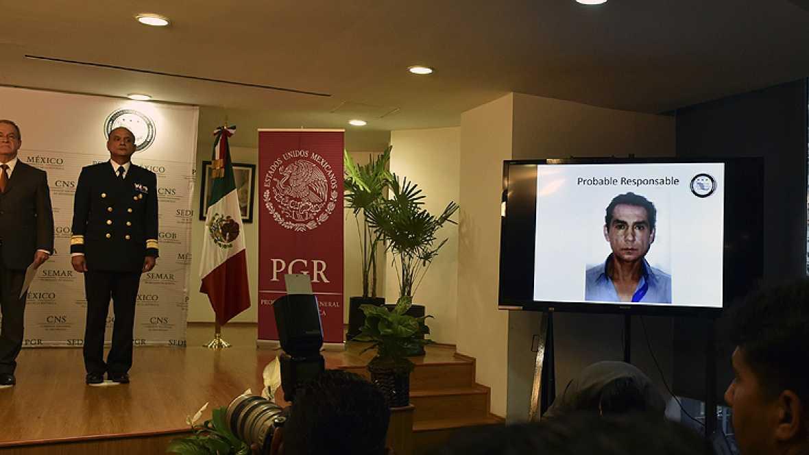 Las autoridades mexicanas distribuyen las imágenes de la detención del ex-alcalde de Iguala y su mujer