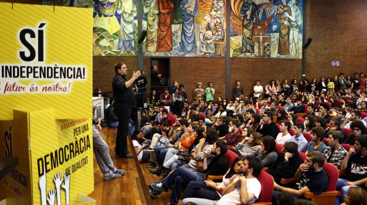 Al Gobierno catalán se le agotan los plazos y los recursos legales para poder sacar las urnas el domingo