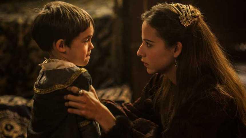 Isabel - Juana ataca a Carlos, su propio hijo