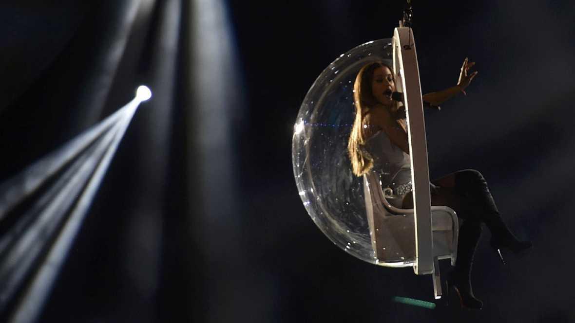 Ariana Grande y One Direction triunfan en los premios MTV europeos