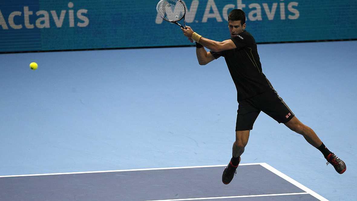 El tenista serbio Novak Djokovic no ha dado opción a Wawrinka y se verá las caras con Berdych en la Copa de Maestros.