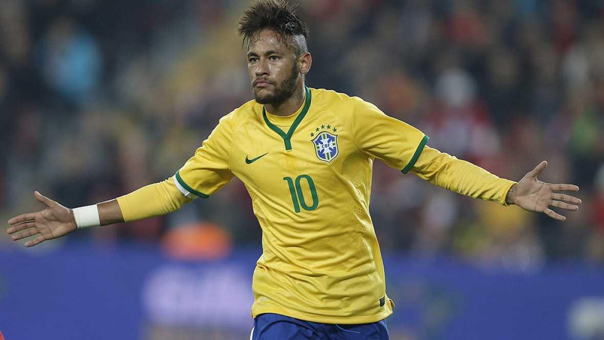 Brasil goleó a Turquía (0-4) con un doblete de Neymar, mientras que Argentina superó a Croacia (2-1) con goles de Ansaldi y Messi.