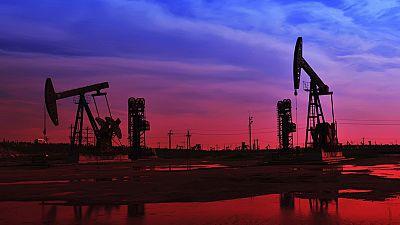El precio del barril de Brent cae por debajo de los 80 dólares por primera vez desde 2010