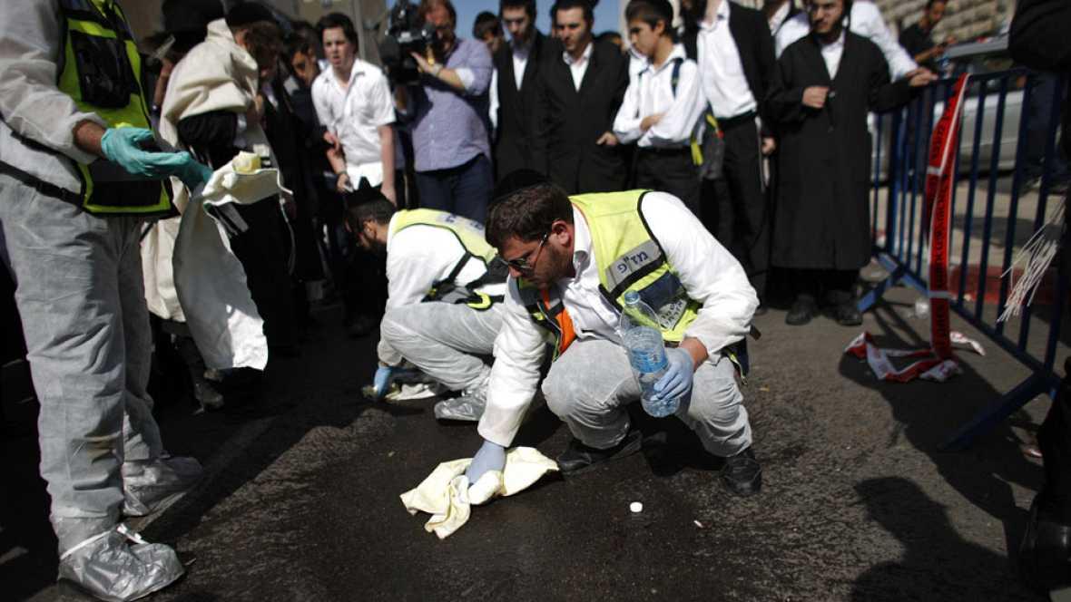 Dos palestinos matan a cuatro israelíes antes de ser abatidos por la policía