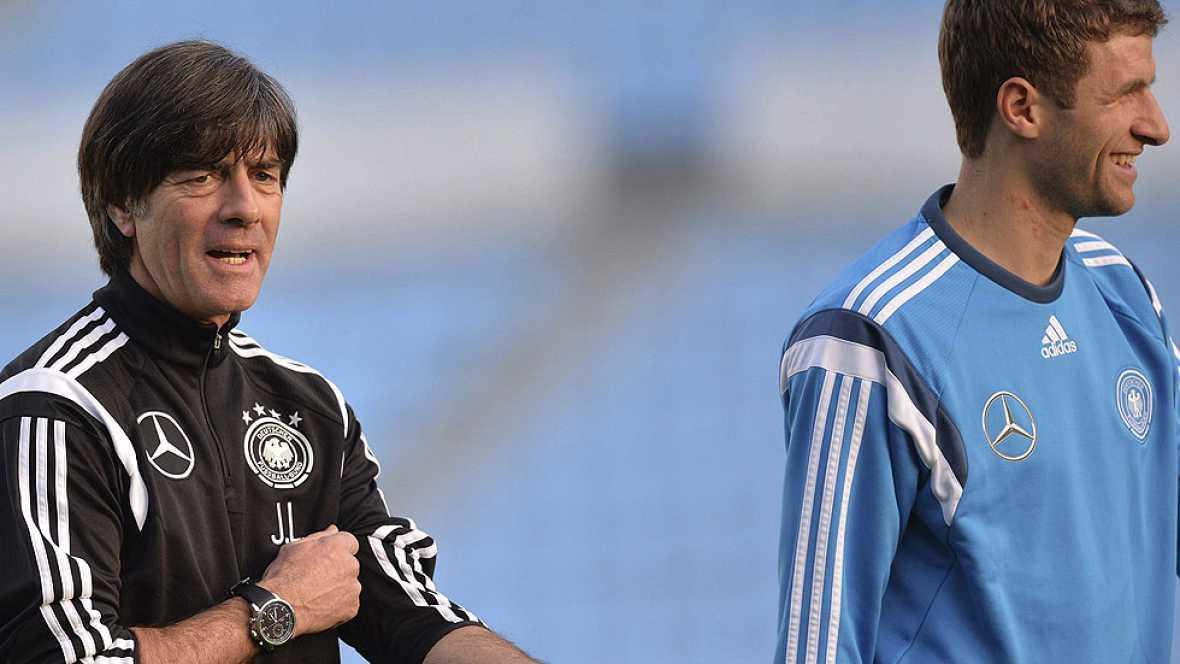 Ya le pasó a España y ahora la sufre la selección alemana. Los malos resultados suelen acompañar a la campeona del mundo meses después de levantar la Copa de campeón del mundo de la FIFA.