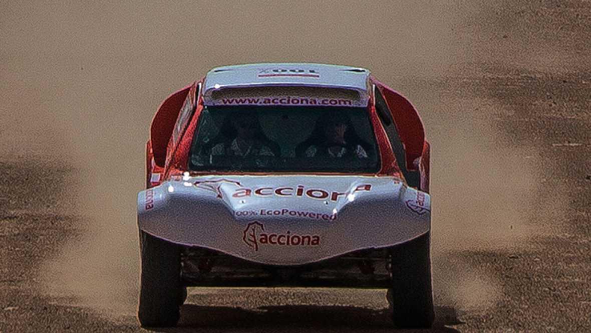 Terminar el Dakar es el sueño de todos los participantes del rally más duro del mundo y terminarlo con un coche eléctrico será el reto de un equipo español que pondrá a prueba su coche en la próxima edición.