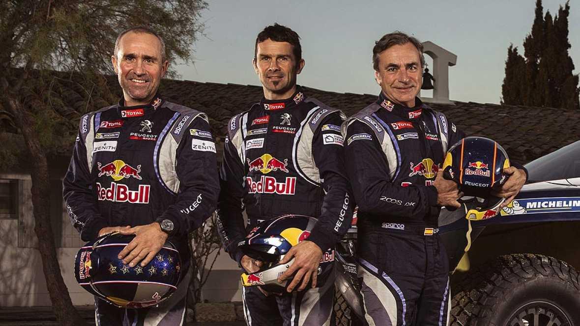"""El piloto madrileño Carlos Sainz ha asegurado que el Dakar """"siempre parece duro y en esta ocasión lo es desde la segunda etapa, donde va a haber sorpresas"""". El de Peugeot ha valorado el recorrido del Dakar 2015, que tendrá salida y llegada en Buenos"""