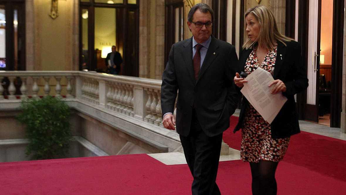 """La vicepresidenta del Govern asegura que con la querella les """"empujan más fuera de España"""""""