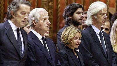 Los gestos m�s emotivos del funeral