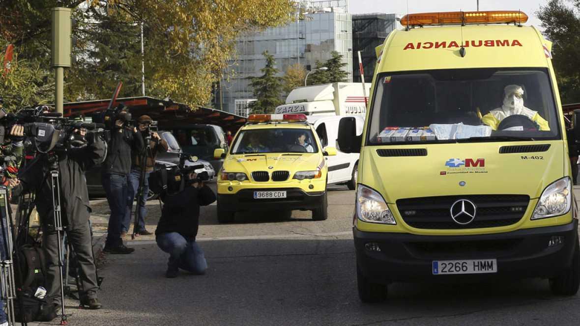Ya está en el Carlos III de Madrid la cooperante de Médicos Sin Fronteras que podría haberse contagiado de ébola en Mali