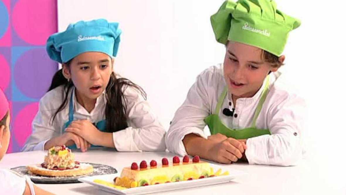 Sombrero con tocado de frutas de temporada