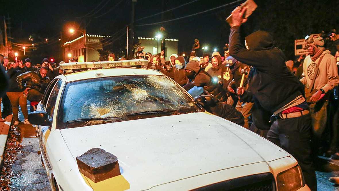 Noche de tensión en Estados Unidos por la puesta en libertad del policía que mató a un joven negro en verano