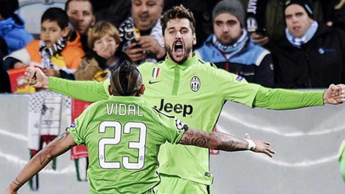 Llorente y Tévez dejan a la Juventus con un pie en octavos