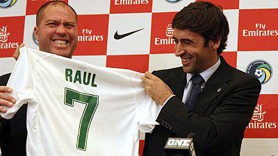El Cosmos de Nueva York ha presentado a Raúl González como su flamante nueva estrella.