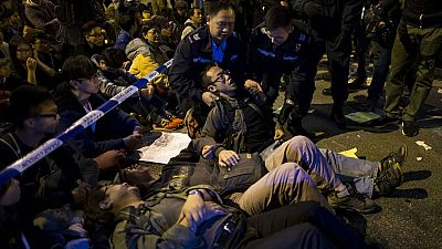 En Honk Kong la policía pone fin a casi dos meses y medio de ocupación junto a la sede del gobierno local