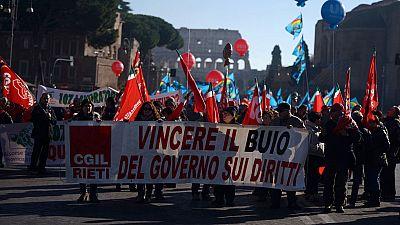Huelga general en Italia contra la reforma laboral que impulsa Matteo Renzi