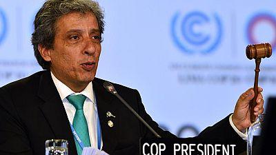 La cumbre del clima, en Lima, se ha cerrado con un acuerdo de mínimos