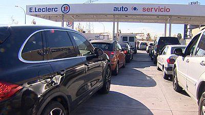 Los precios de los carburantes han caído hasta niveles de hace cuatro años