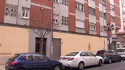 La policía busca a la madre de los tres niños abandonados en Oviedo