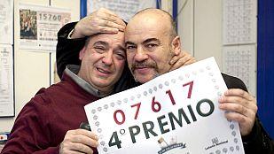 Los cuartos premios de la lotería de Navidad, el 7.617 y el 67.009, muy repartidos
