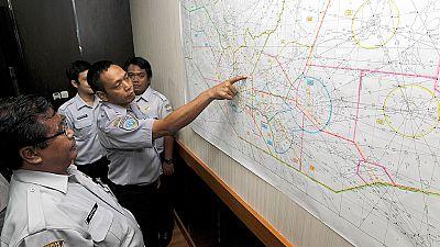 Desaparece un avión de Air Asia en territorio de Indonesia