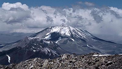 El alpinista vasco Fernando Ossa, donostiarra afincado en Bilbao, ha fallecido tras permanecer dos días aislado en la cordillera de los Andes necesitado de auxilio y en compañía de un compañero de escalada, ha informado a TVE un amigo de los montañer