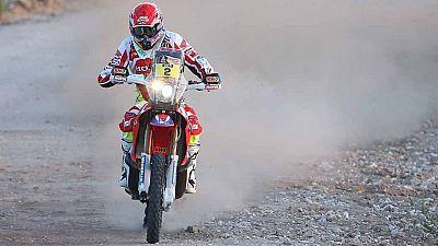 El piloto de motos español Joan Barreda (Honda) ha ganado la segunda etapa del Dakar, entre Villa Carlos Paz y San Juan, por delante de los portugueses Paulo Gonçalves (Honda) y Rubén Faría (KTM), y es el nuevo líder. En coches, el piloto catarí Nass