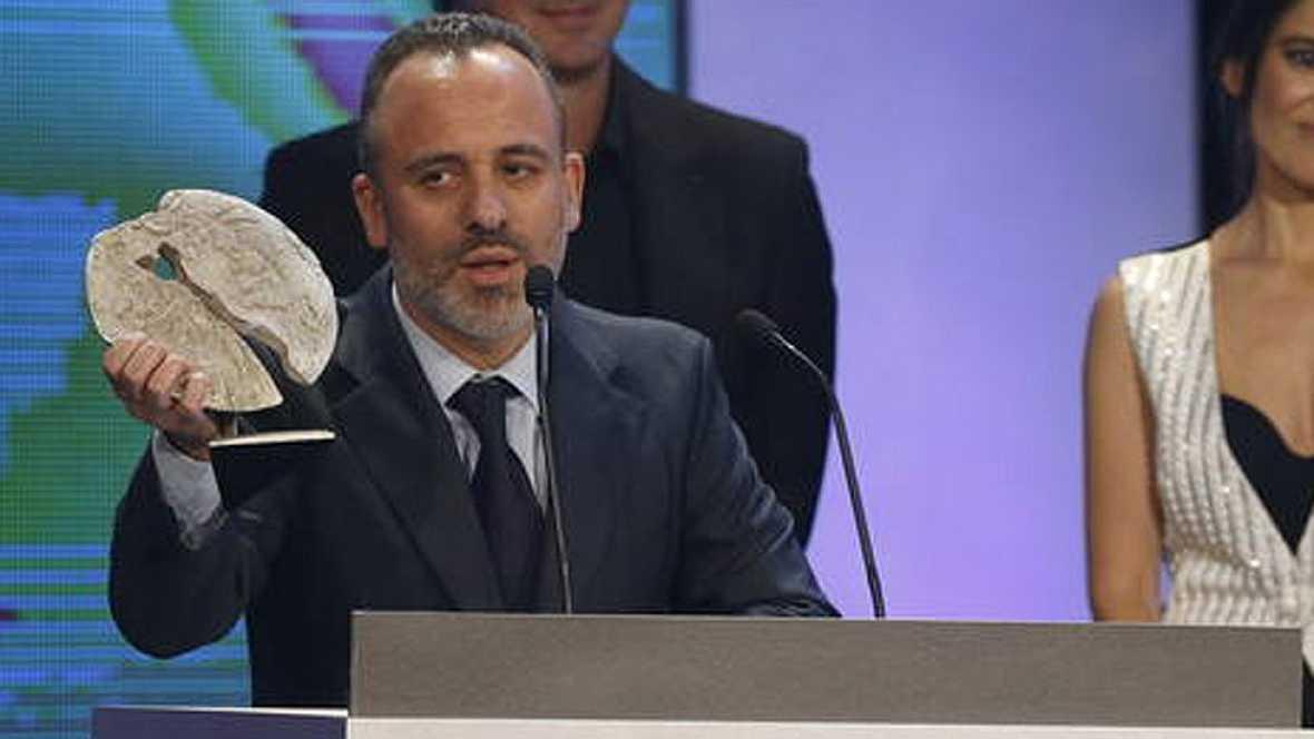 Javier Gutiérrez recibe el Premio José María Forqué a mejor actor por su papel en 'La isla mínima'