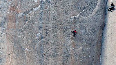 Dos estadounidenses escalan El Capitán de Yosemite