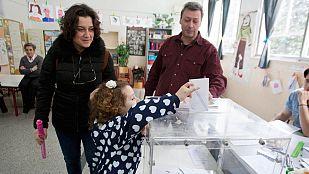 Los griegos votan en unas elecciones cruciales