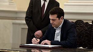 Tsipras jura como primer ministro de Grecia y gobernará con la derecha nacionalista