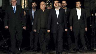 Tsipras nombra un gobierno en clave económica para negociar con la troika y enterrar la austeridad