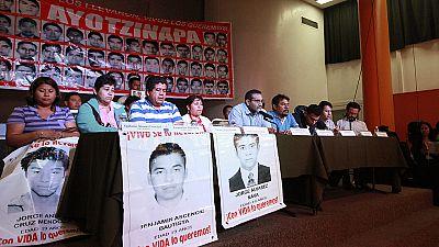 Los padres de los estudiantes desaparecidos en Iguala rechazan la versión de la fiscalía