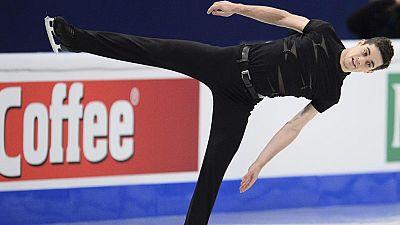 El patinador español Javier Fernández puso rumbo hacia su tercer título consecutivo de campeón de Europa después de dominar con bastante solvencia el Programa Corto del Europeo de Patinaje Artístico, que acoge Estocolmo hasta el próximo domingo.