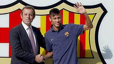 La Fiscalía de la Audiencia Nacional ha pedido al juez Pablo Ruz que impute al presidente del FC Barcelona, Josep María Bartomeu, por un delito fiscal en el ejercicio 2014 -se calcula un fraude de 2,8 millones de euros-, del que también tendría que r