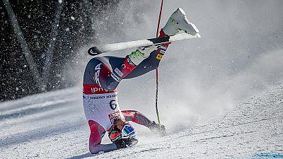 El tetracampeón del mundo Bode Miller ha sido operado del corte en un tendón que sufrió en una caída del Campeonato del mundo de esquí.