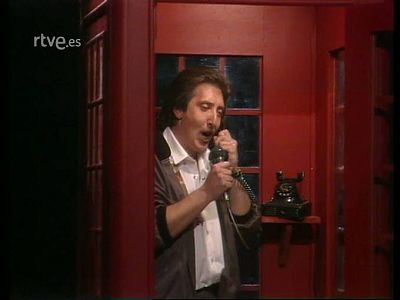 Junco canta �Hola, mi amor!...
