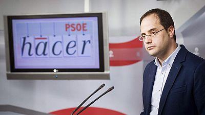 La dirección federal del PSOE aparta de la dirección a Gómez y crea una gestora, que dirigirá Simancas