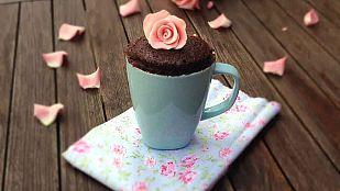 Victoria Ballesta nos enseña a cocinar un mug cake de chocolate