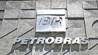 54 cargos públicos investigados en Brasil por Petrobás