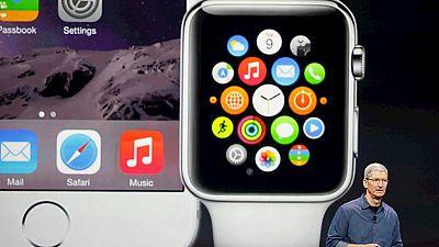 Apple se incorpora a la carrera de los relojes inteligentes