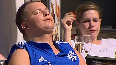 El buen tiempo en Madrid ha atraido a miles de seguidores del Schalke 04, que visita el Bernabéu con la difícil tarea de levantar el 0-2 de la ida.