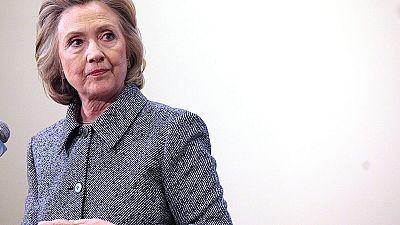 Hillary Clinton comparece por utilizar un correo electrónico personal para comunicaciones oficiales