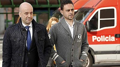 El juez Ruz mantiene la imputación por el presunto desvío de 2,4 millones de euros de Osasuna. Los futbolistas se unen a los exdirectivos 'rojillos' ya imputados por el caso.