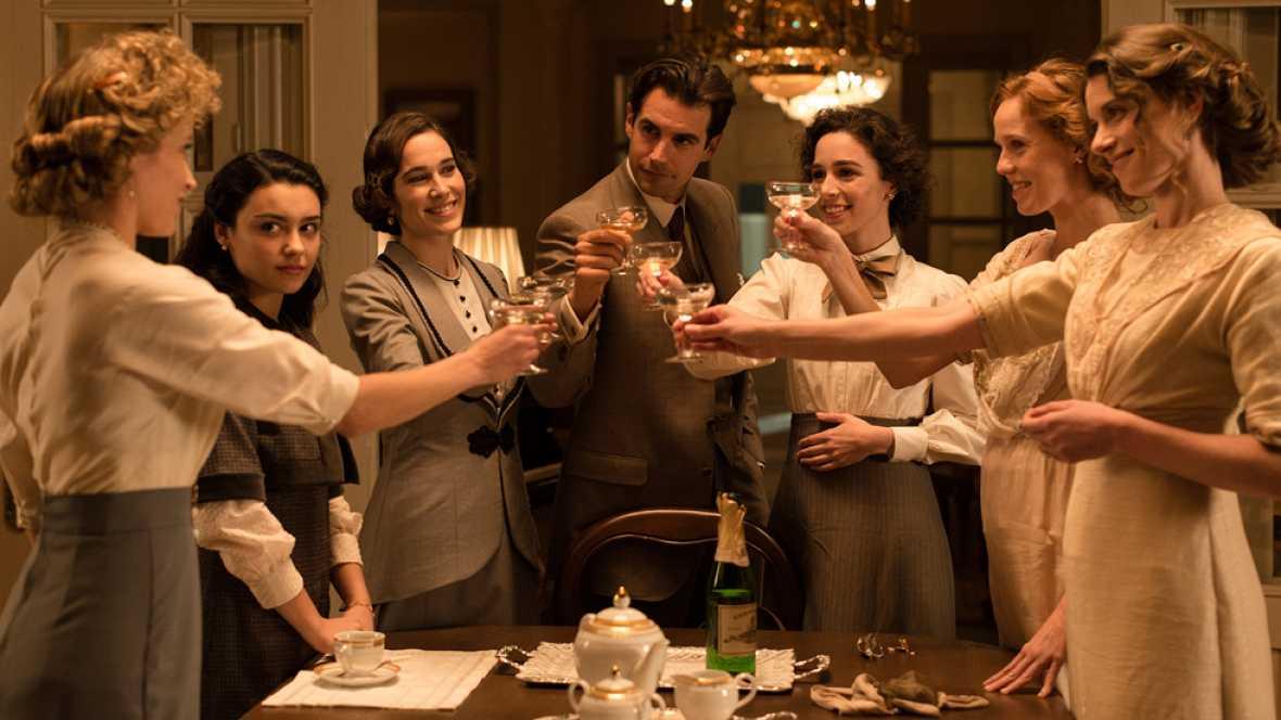 'Seis Hermanas' - Una piña dentro y fuera de la ficción