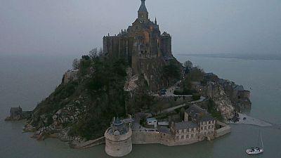 La península del Mont Saint- Michel se convierte en una isla momentáneamente