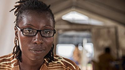 Bentu, de superviviente de ébola a psicóloga de pacientes