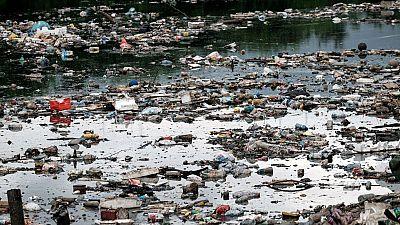 La basura ahoga la bahía destinada a las pruebas marítimas de los Juegos Olímpicos de Brasil